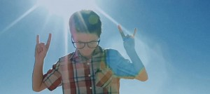 Weezer 新曲《L.A. Girlz》公開